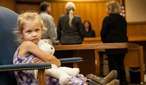 LittleGirl-in-Courtroom-725x4252